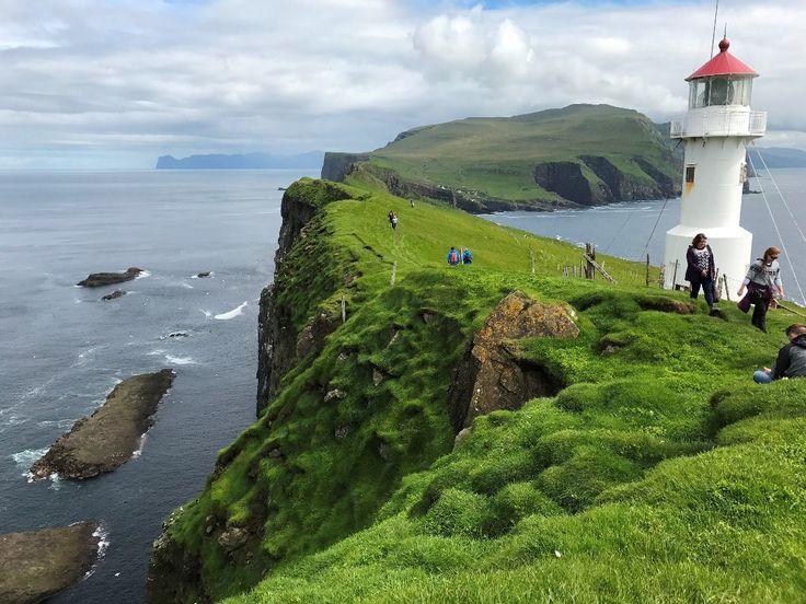 Oplev de smukke og storslående Færøerne til Yoga og vandring | 13. - 19. juli 2018   I samarbejde med Bering Rejser, tilbyder vi 6 dage med fordybelse, hvor vi underlægger os naturens storhed, som spejler livets under i det skiftende oceaniske klima med mulige overgange mellem sol, regn og tåge.