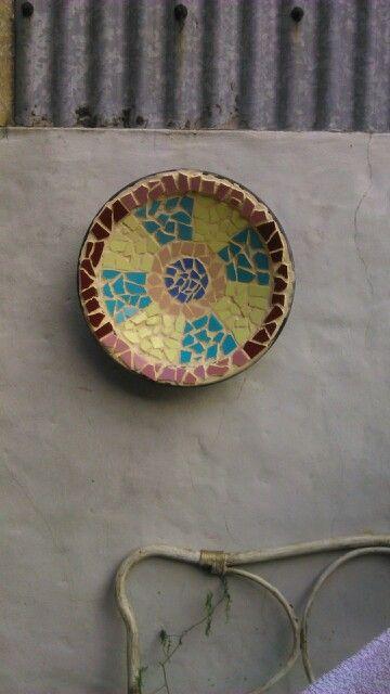 Mosaiquismo con azulejos reciclados