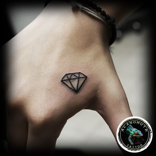 Diamond tattoo suggested for your small tattoo. A woman tattoo created by Acanomuta Tattoo Studio.