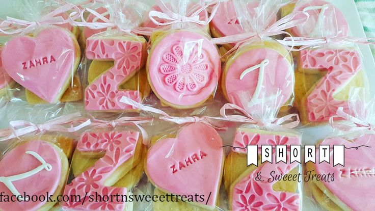 custom NAME theme COOKIES!  Do have a celebration coming up? Want to send your guests off with a little sweet treat for the drive home? Why not personalised decorative cookies, a special way to say Thankyou.  2 cookies per bag Personalized to suit your special day. $3 per bag no order to big or small. Feel free to contact me via inbox or text message.  https://www.facebook.com/shortnsweeettreats/  shortnsweeettreats@hotmail.com