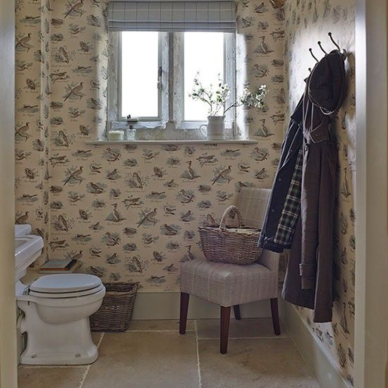 Country-style cloakroom with bird-printed wallpaper | Renovated Wiltshire manor house | House tour | PHOTO GALLERY | Homes & Gardens | Housetohome.co.uk
