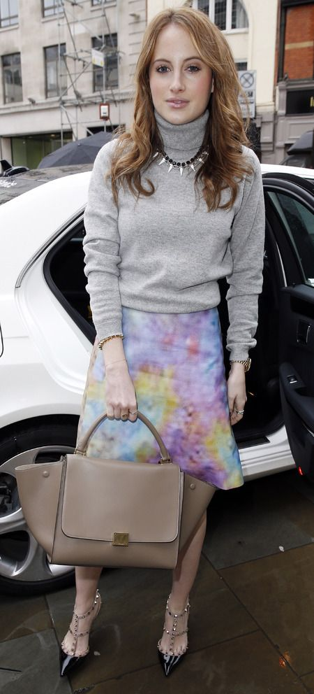 MIC\u0026#39;s Rosie Fortescue\u0026#39;s Celine Trapeze bag. www.handbag.com ...