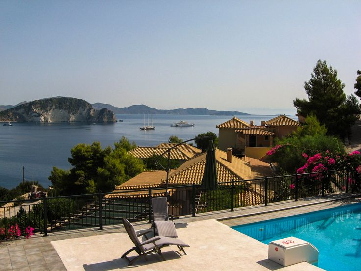 Villas Cavo Marathia Zakynthos - panorama pool with gorgeous view over the bay to Turtle Island