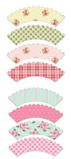 Free Scalloped Shabby Chic Style Cupcake Wrapper Printables