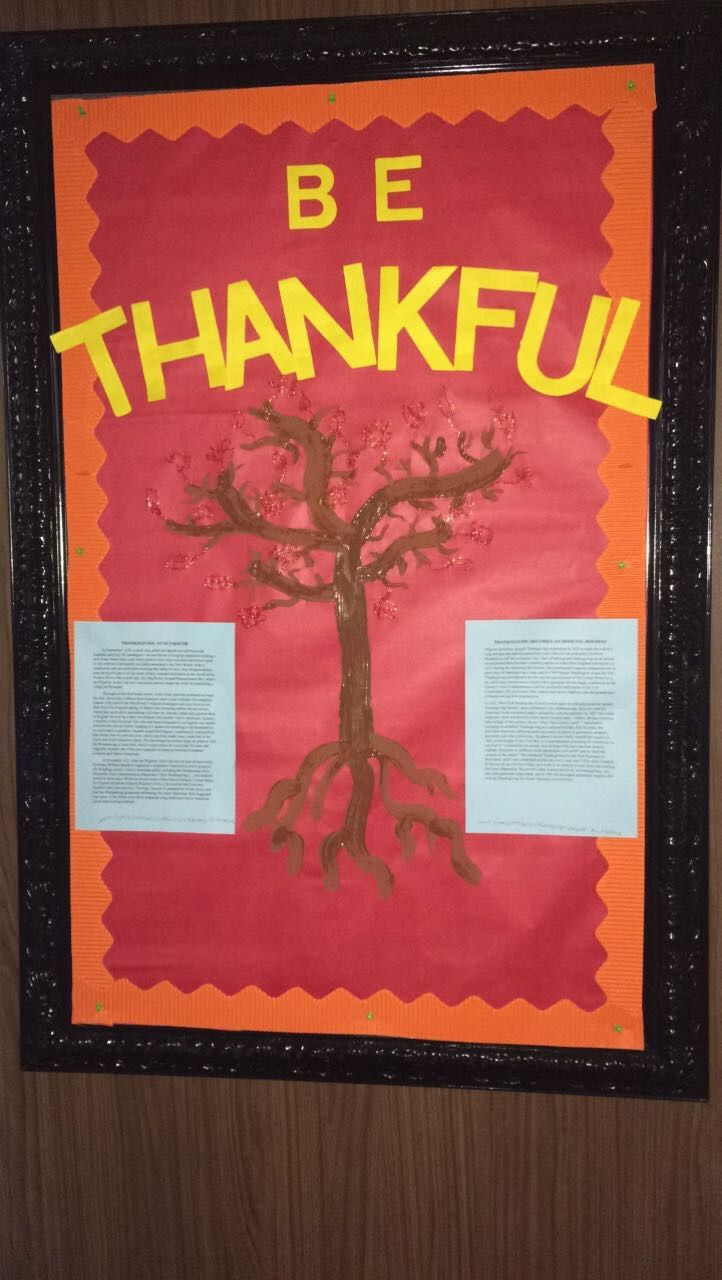 Be Thankful bulletin board. History of Thanksgiving info sourced from The History Channel: www.history.com #RA #FA #housing #bulletinboard #thanksgiving #CulturalExploration #tree #leaves #glitter #ResidenceHall #UniversityofAlabama