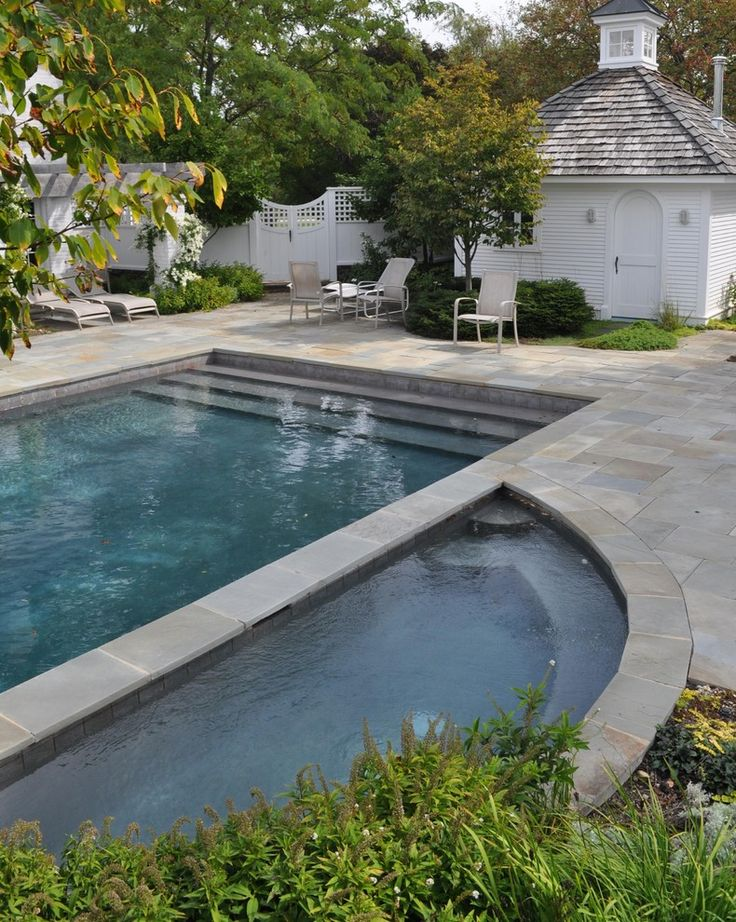 Rectangular pool with semi circular hot tub lovely pool for Pool design with hot tub