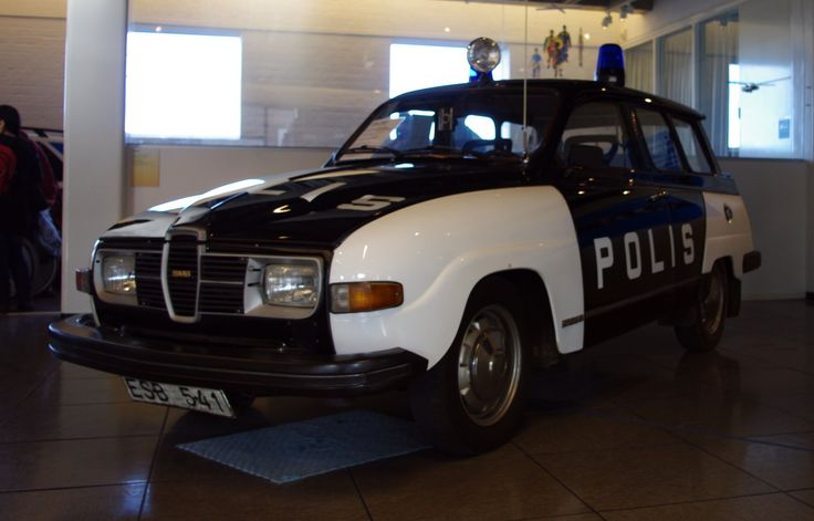 Saab 95 police car. Used for canine patrols. (2228×1428)