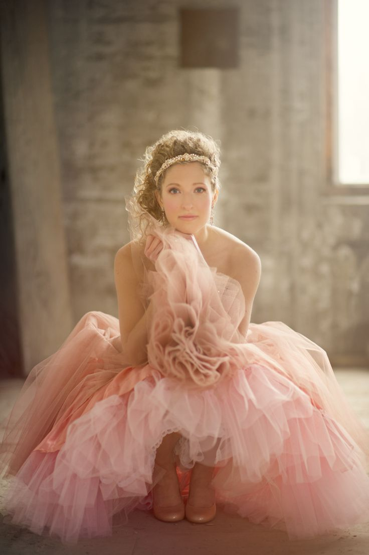 sitting / tulle dress