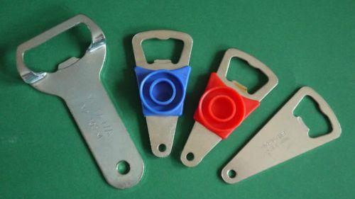 4-DDR-Flaschenoeffner-Record-METAWA-rot-blau-Metall-Kult-Set-Flaschenverschluss