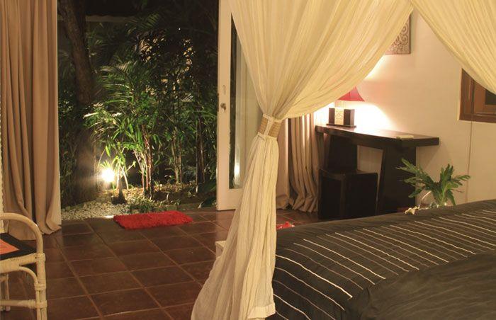 #Belle #chambre #romantique avec vue sur le #jardin.