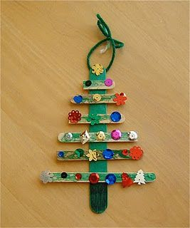 popsicle stick christmas tree...easy for preschoolers and beautiful