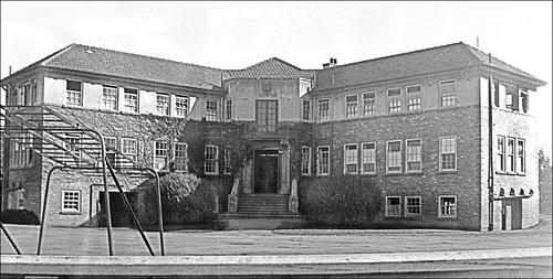 Main Block at NZ Friends School 1948