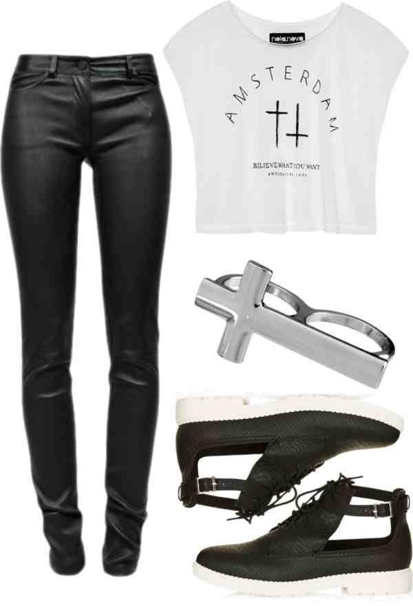 Conjunto! *polera blanca, leggins cuero, zaptos negros