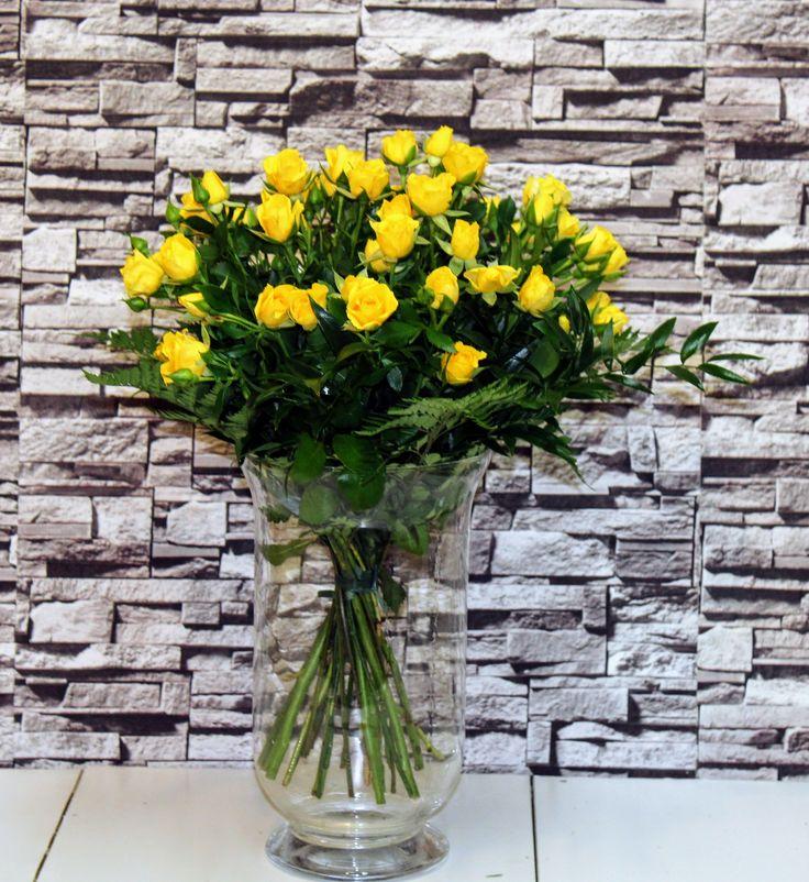 Trsové ruže žlté