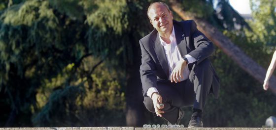 El Gobierno de Extremadura ingresará 240 millones de euros de un impuesto bancario que trató de aplicar Juan Carlos Rodríguez Ibarra en 2001 pero que el entonces presidente del Gobierno, José María Aznar, paralizó al recurrirlo al Tribunal Constitucional.