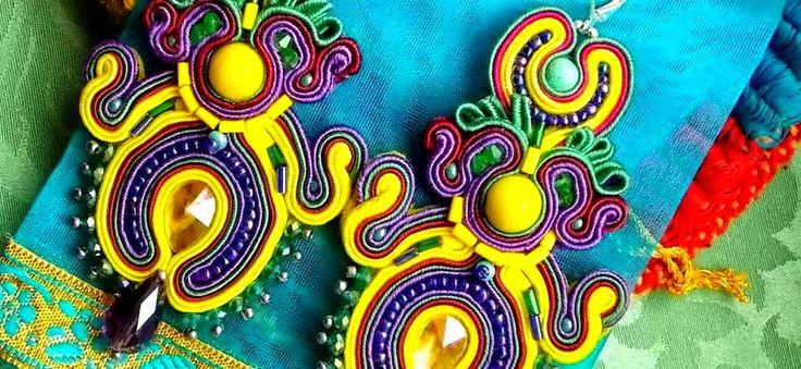 #earnings #JewelrySoutache #sutasz #soutache #fasion #HandmadeJewelry Egzotyczne kolczyki wykonane metodą haftu sutasz.Kamienie swarovski,turkus,howlit.