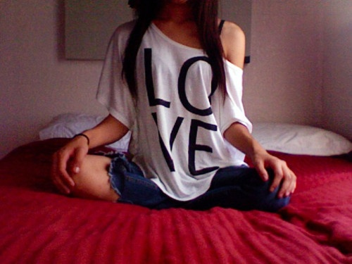 Love shirt, ripped jeans