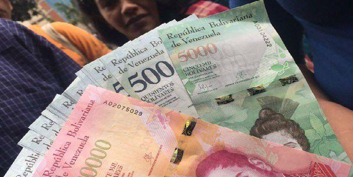 Dos por ciento de inflación diario en febrero -  La inflación en Venezuela durante febrero ronda el dos por ciento diarios, según estimó el economista Asdrubal Oliveros, director de Ecoanalítica. De ser ese el promedio diario, la índice mensual sería de al menos 82 por ciento, según cálculos de Jesús Casique, director de la firma Capital Marke... - https://notiespartano.com/2018/03/05/dos-ciento-inflacion-diario-febrero/