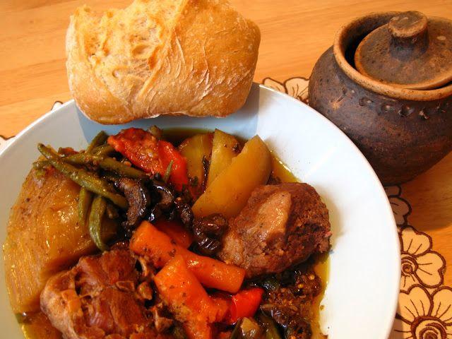 250 best yugoslavian recipes images on pinterest croatia bosnian stew bosanski lonac forumfinder Images