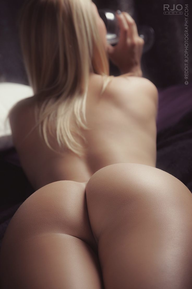 Nude female ass