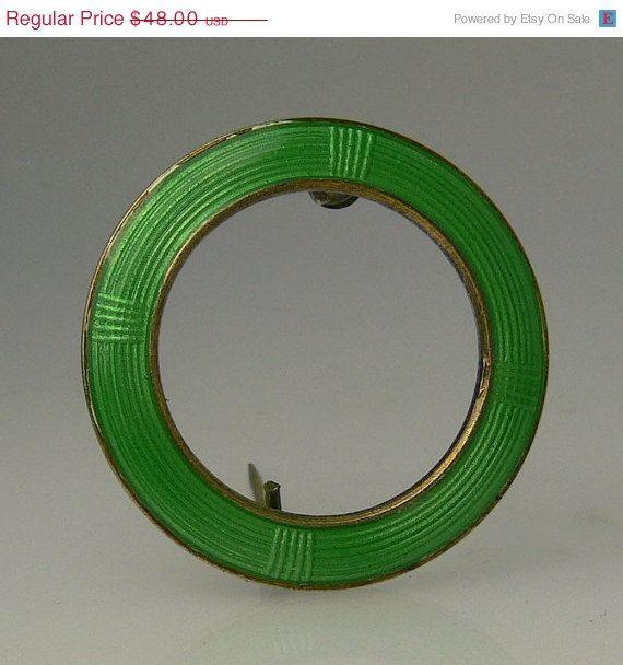 Vintage Aksel Holmsen Norway Enamel Circle Brooch by jujubee1, $40.80