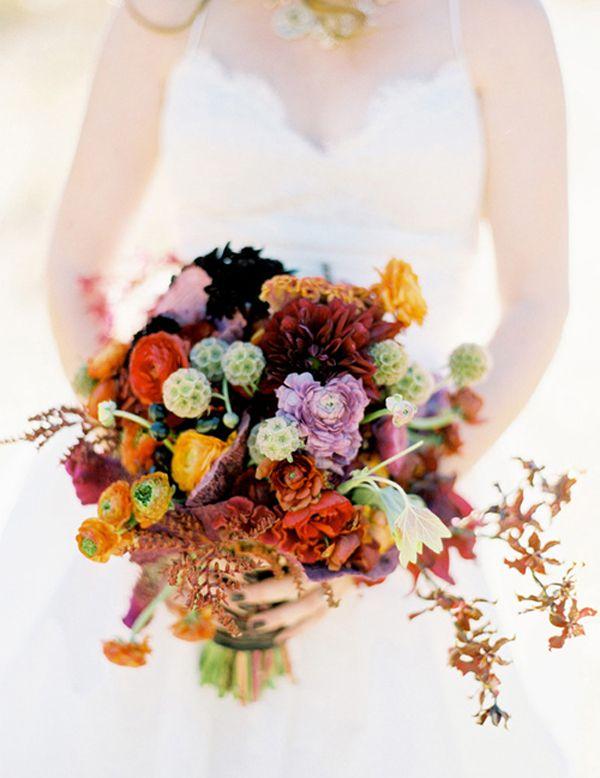 Prachtig bruidsboeket voor de herfst