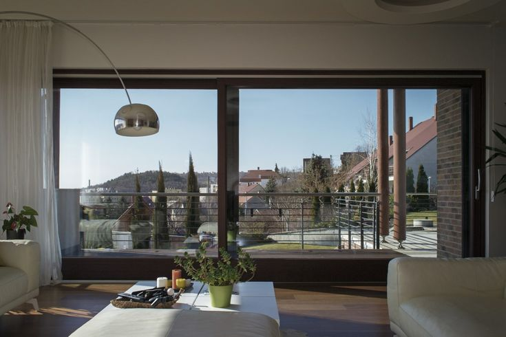 Such views would be a shame to waste! If you are building at a similar location and panorama is important for you then the Janko lift and slide doors are the best solution!