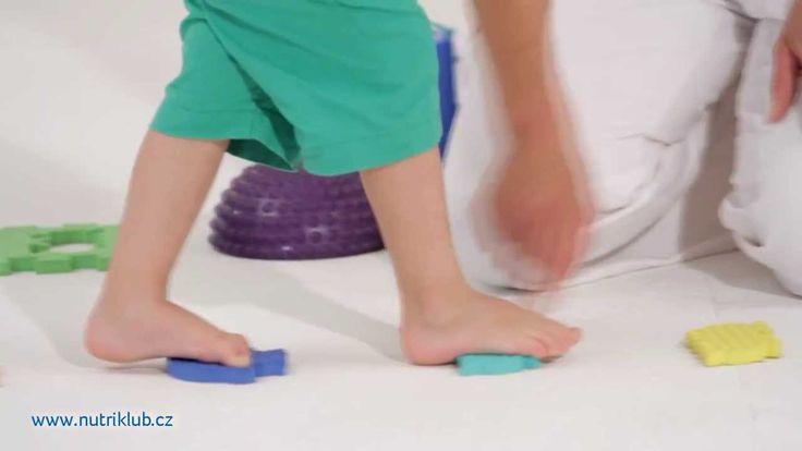 Cvičení s dětmi - 2.cvičení: CHŮZE PO PŘEKÁŽCE