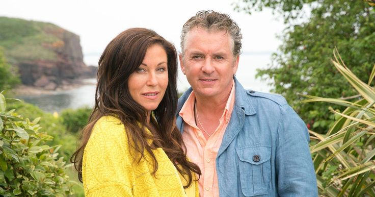The series follows Kat and Alfie Moon as they travel to Ireland to search for Kat's long lost son