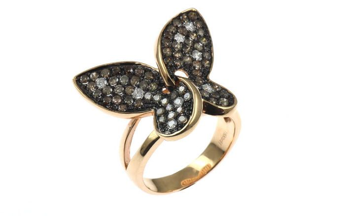 """Online veilinghuis Catawiki: Ring """"Vlinder"""" bezet met witte en bruine diamanten"""