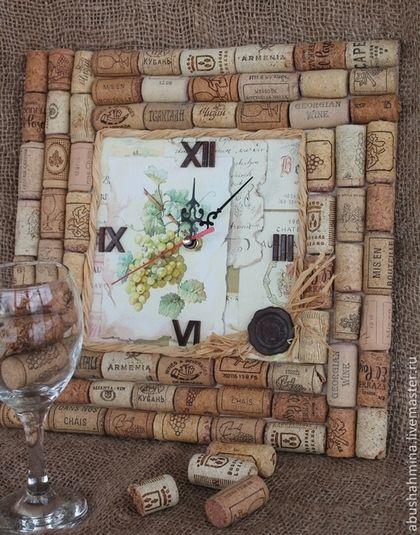 часы настенные декупаж вино и пробки, винная пробка, интерьер кухни,пробковое дерево, белое вино, необычные оригинальные часы, Марина Абушахмина