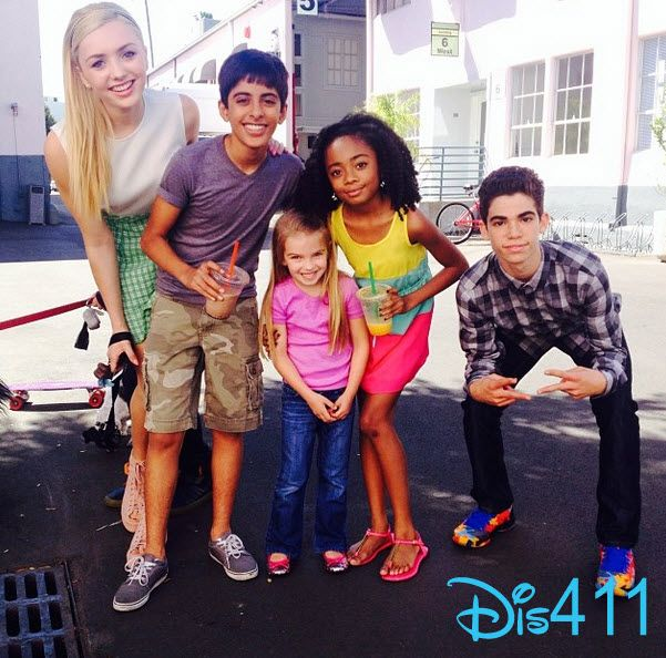 "Photo: Mia Talerico Visited The Cast Of ""Jessie"" April 11, 2014 Love this pic!! So sweet!!!!!"