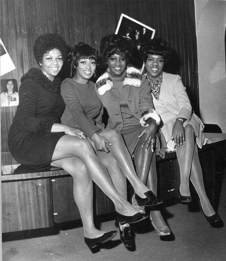 December 6, 1968 - The Sweet Inspirations - Cissy Houston, Myrna Smith, Sylvia Shemwell and Estelle Brown Arrive In Britain To Promote Their Single 45 Cover Rendition - (Cissy Houston is Whitney's Mother) - Elvis Presley's Back Up Singers
