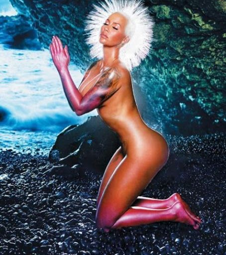 Amber Rose Goes Completely Unclad Again