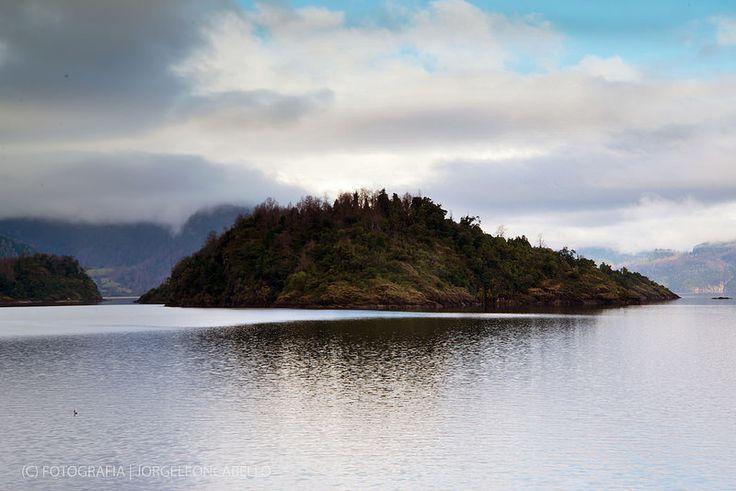 Islote - Lago Panguipulli (Chile)