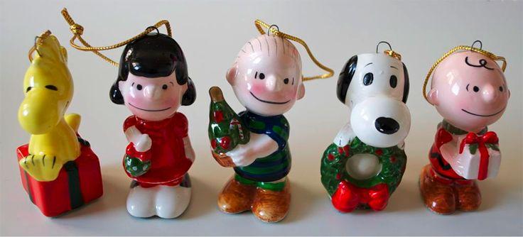 per un natale vintage ecco alcuni ciondoli degli anni 60 con i personaggi dei Peanuts