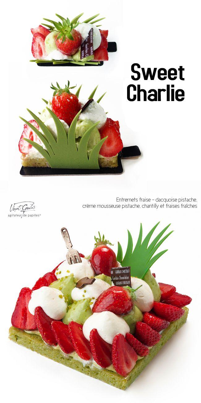 SWEET CHARLIE Entremets fraise - dacquoise pistache,  crème mousseuse pistache, chantilly et fraises fraîches