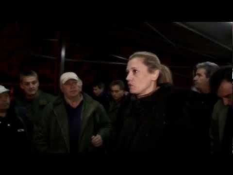 """Καθολική ήταν η συμμετοχή των εργαζομένων στη νυχτερινή βάρδια στο ορυχείο του Νότιου Πεδίου στη στάση εργασίας που κάλεσε το συνδικάτο ΣΕΕΝ """"Εργατική Αλληλεγγύη"""" για το τραγικό """"εργατικό έγκλημα"""" στις 27/12/2012 που είχε σαν αποτέλεσμα ο λιγνιτωρύχος Νίκος Καραστογιάννης να χάσει τη ζωή του μετά από μάχη δύο ημερών με το θάνατο."""
