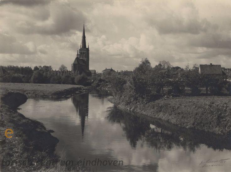 De Dommel gezien in de richting van R.K. Kerk St. Petrus Banden, 1952 Auteur: Kerkhof, Andries Wilhelmus van de