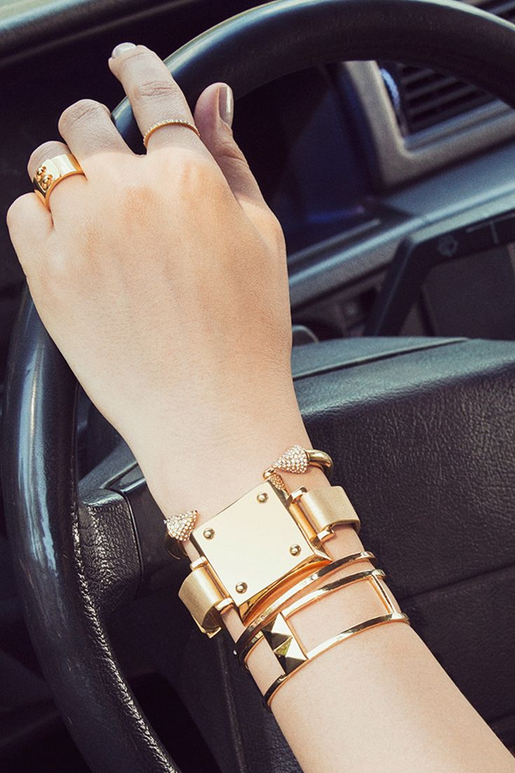 Track your activity in style with the new BaubleBar x Jawbone bracelet. (The Jawbone UP MOVE tracker is placed inside of the bracelet!)