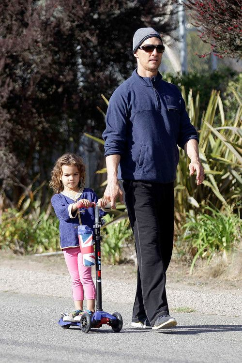 Matthew McConaughey: Outdoor Family Fun #MatthewMcConaughey #celebritydad