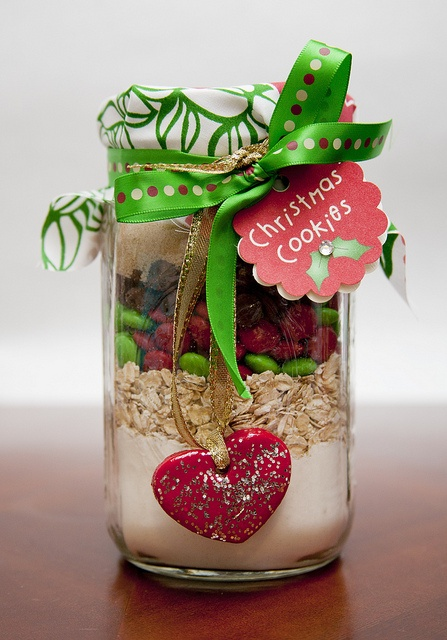 Put all the ingredients for a yummy recipe in a jar & decorate! A Simple but effective Christmas Gift Idea