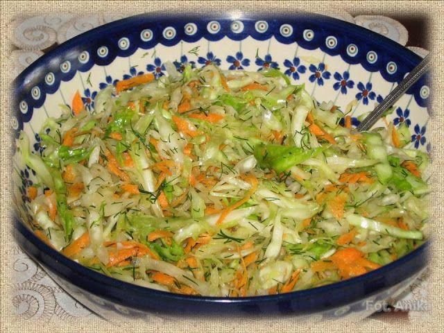 Domowa kuchnia Aniki: Surówka z młodej kapusty z marchewką