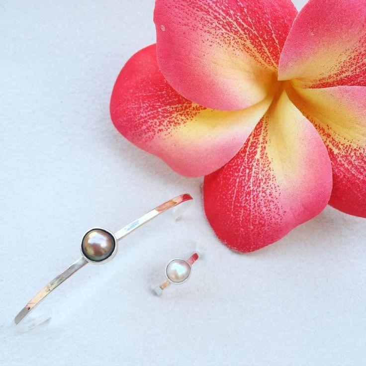 Lifou 'Around you' jewelry set with freshwater pearls
