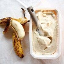 Glace à la banane et aux yaourts.