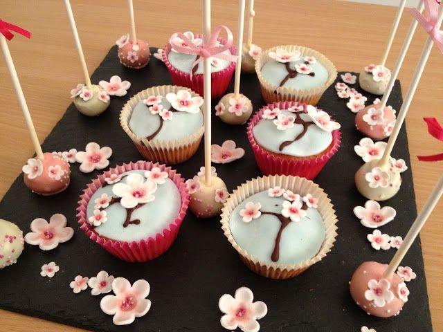 Fabtastic Cakes: Cupcakes et cake pops fleurs de cerisier