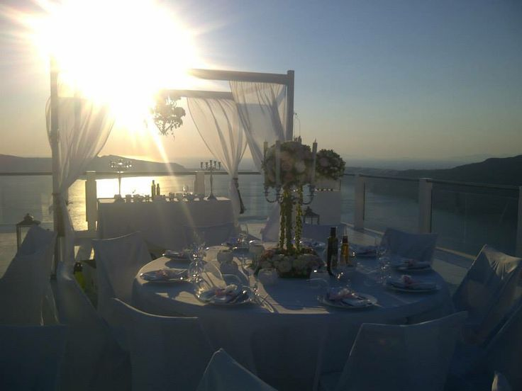 The perfect place for the perfect day ... @ Rocabella deluxe suites & spa Santorini !!!