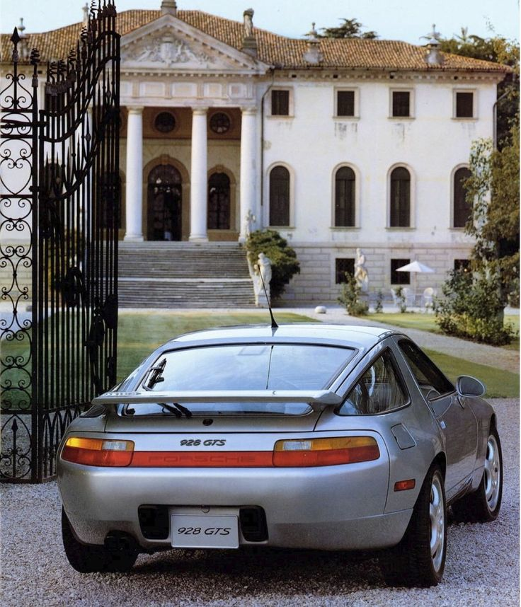 1992 Porsche 928 GTS #porsche ✏✏✏✏✏✏✏✏✏✏✏✏✏✏✏✏ AUTRES VEHICULES - OTHER VEHICLES   ☞ https://fr.pinterest.com/barbierjeanf/pin-index-voitures-v%C3%A9hicules/ ══════════════════════  BIJOUX  ☞ https://www.facebook.com/media/set/?set=a.1351591571533839&type=1&l=bb0129771f ✏✏✏✏✏✏✏✏✏✏✏✏✏✏✏✏