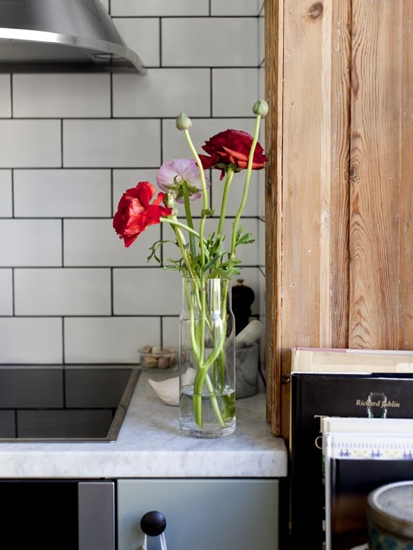 gray cabinets, white countertop, white subway tile w/ dark grout... decided!!
