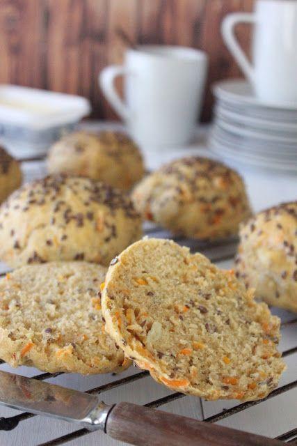 Gulerodsboller m. brie og hørfrø